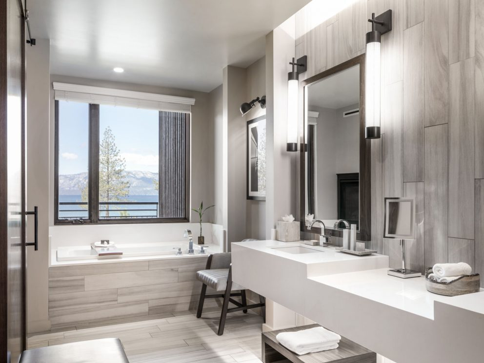 Tahoe Premier King and Double Queen Lakeview Bathroom