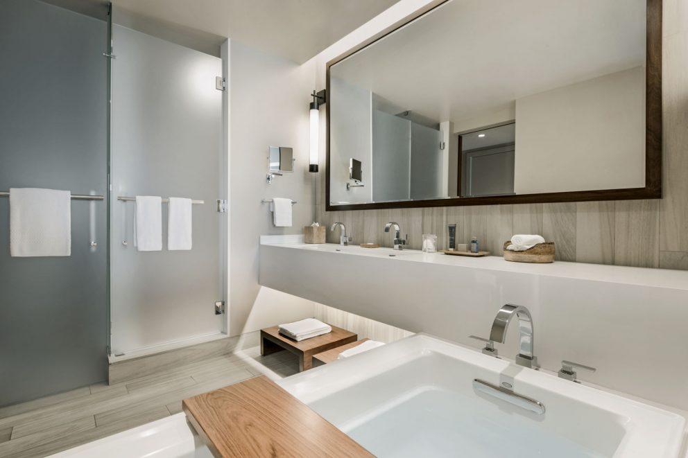 Tahoe King and Double Queen Bathroom